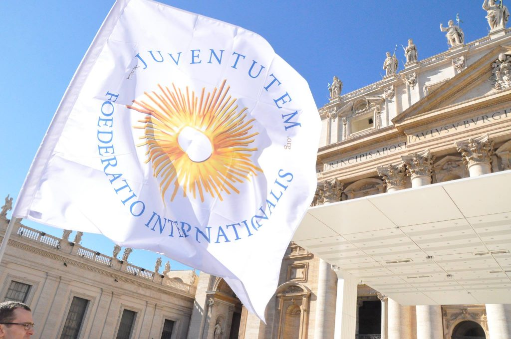 Juventutem flag at St. Peter's